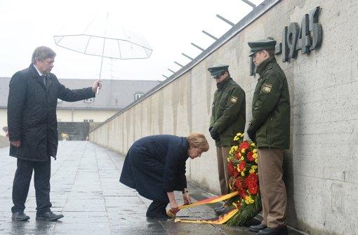 Politiker gedenken der Befreiung