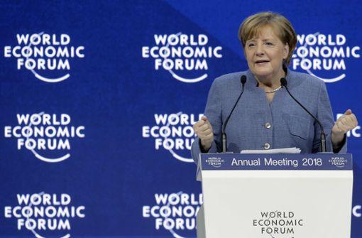 """Merkel und Macron verbreiten """"Europtimismus"""""""
