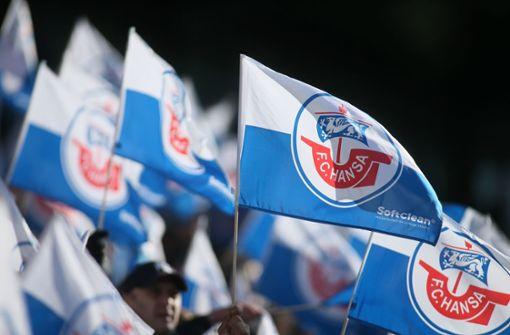 Krawalle vor Pokalspiel – Polizei gibt Warnschuss ab