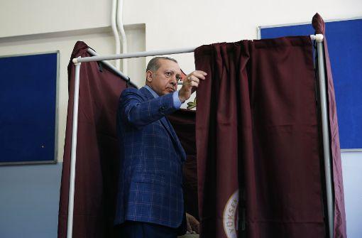 Wähler entscheiden über Erdogans Präsidialsystem