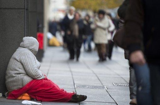 Nach Angaben des Armutsberichts gibt es in Deutschland wieder etwas weniger Arme. Foto: dpa