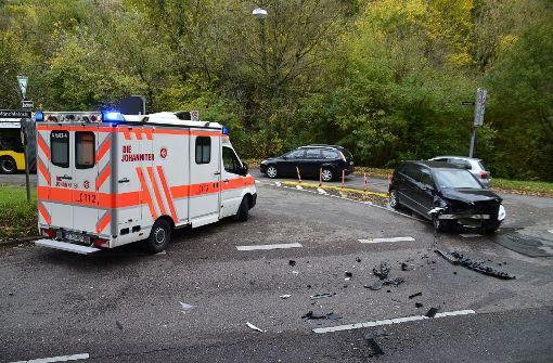 Eine 42-jährige Mercedes-Fahrerin ... Foto: Andreas Rosar Fotoagentur-Stuttgart