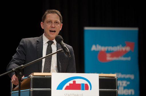 Ralf Özkara spricht beim Landesparteitag der AfD Baden-Württemberg in Sulz am Neckar. Foto: dpa
