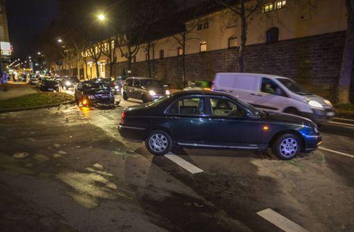 An der Einmündung Sparrhärmlingweg und Hallschlag missachtete eine 25-jährige Rover-Fahrerin mit ihrem Wagen am Donnerstag wohl die Vorfahrt eines 37-jährigen Mercedes-Fahrers. Foto: 7aktuell.de/Simon Adomat