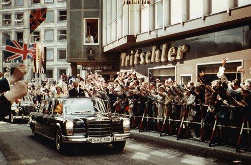 Im Mercedes 600 Pullman durch Stuttgart: Vor 50 Jahren besuchte Queen Elizabeth II. die Landeshauptstadt. Foto: Leserfotografin irene