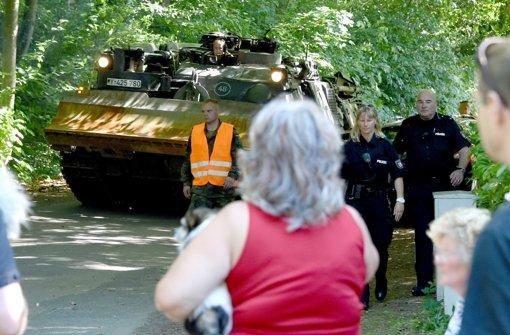 Bundeswehr birgt Panzer aus Villa