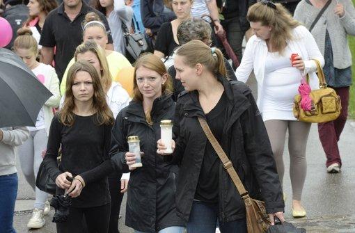 Hier war's wieder friedlich – beim Trauermarsch am 26. Juli  für den ermordeten Achtjährigen Foto: dpa