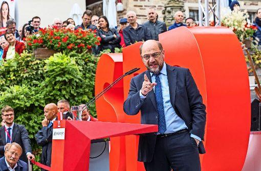 Martin Schulz greift vor seinen Parteianhängern in die Rhetorikkiste. Foto: factum/Weise