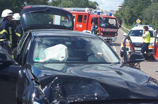 Zwei Verletzte bei Autounfall