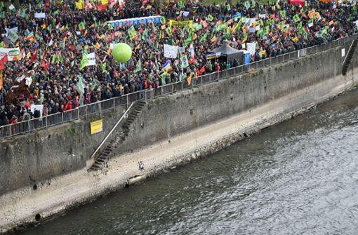 Tausende gehen für Anti-Kohle-Demo auf die Straße