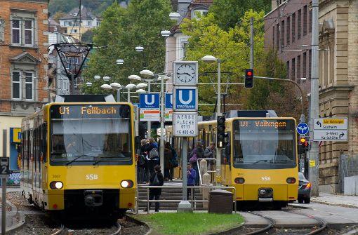 Mehr Beamte sollen mit Bus und Bahn fahren
