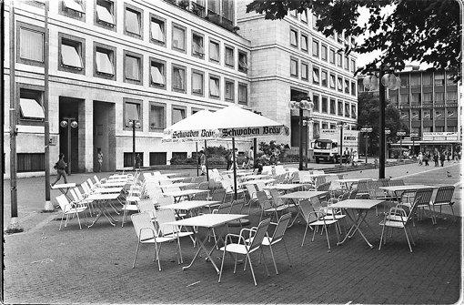 So sah die Außengastronomie auf dem Marktplatz vor 20 Jahren aus. Foto: Uli Kraufmann