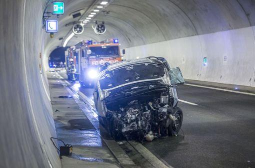 Autofahrer stirbt auf der B14  – Vollsperrung