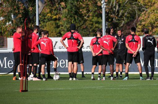 Markus Weinzierl konnte bei seiner ersten Trainingseinheit beim VfB Stuttgart nicht alle Spieler kennenlernen. Foto: Pressefoto Baumann