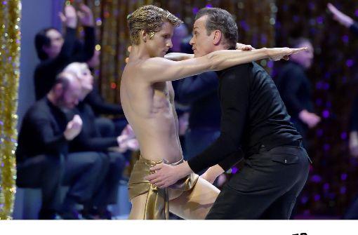 Matthias Klink als Aschenbach (re.), David Moore als Apollon Foto: Oper Stuttgart