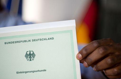Fast 6800 Ausländer bestehen Einbürgerungstest