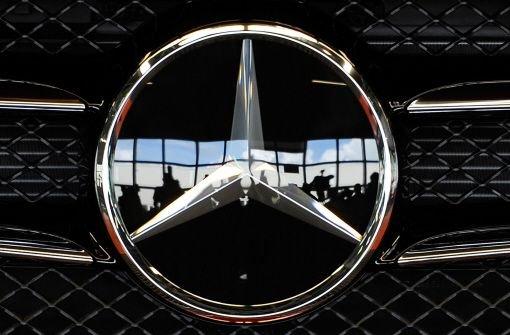 Kurz vor Jahresende zeichnet sich bei Mercedes-Benz ein Rekordjahr ab. Mit 120.346 abgesetzten Fahrzeugen der Premiummarke wurden im November so viele wie noch nie in dem Monat verkauft. Foto: dapd
