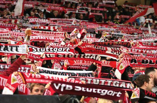 Flugblätter im Stadion – Ultras kritisieren Wolfgang Dietrich