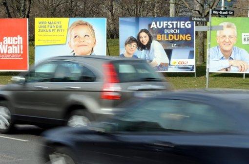 Gut, dass es noch Wahlplakate gibt, da sind die Botschaften doch eher knackig. Foto: dpa