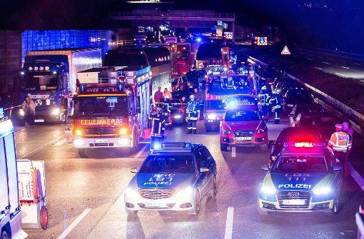 In der Nacht von Freitag auf Samstag ereignete sich auf der A81...  Foto:  7aktuell.de/Karsten Schmalz