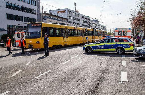 48-jähriger Autofahrer von Stadtbahn erfasst