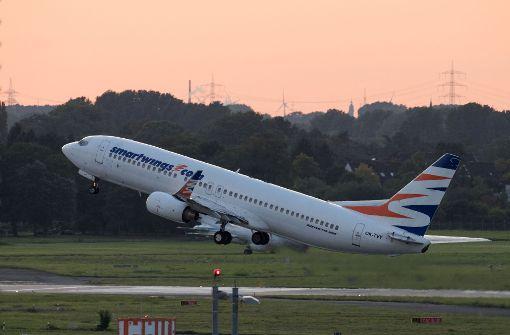 Ein Flugzeug der Flugline Smart Wings brachte mehrere Afghanen von Düsseldorf nach Kabul. Foto: dpa