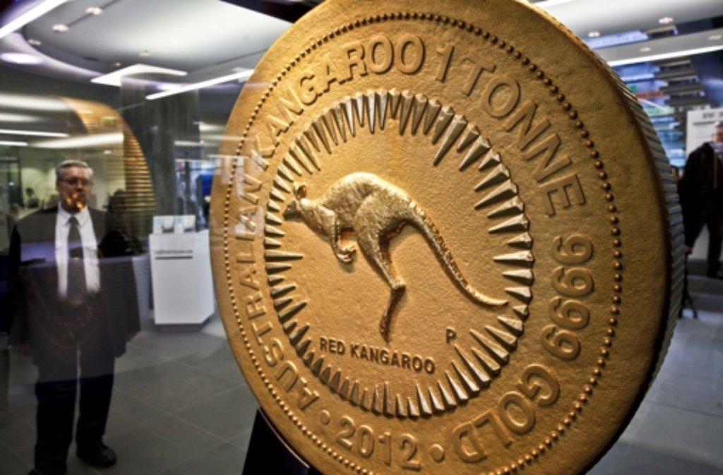 Die Australische Goldmünze Im Foyer Der Bw Bank Das Geldstück Wiegt