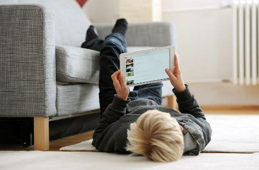 """Zur Generation Z gehören die ab 1990 Geborenen. Sie wird auch """"Generation Youtube"""" genannt. Foto: dpa"""