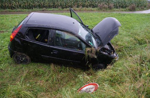 Der Wagen der 31-Jährigen hat sich in einer Kurve überschlagen. Foto: SDMG