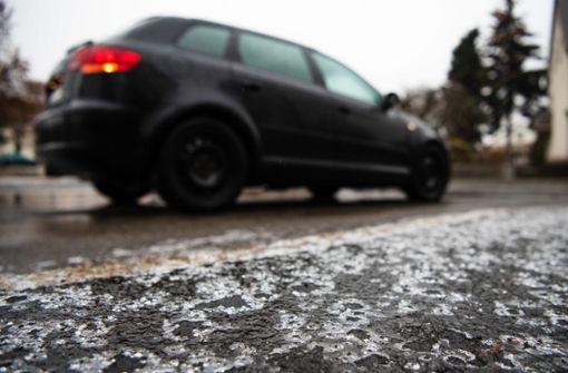 Wetterdienst warnt vor rutschigen Straßen