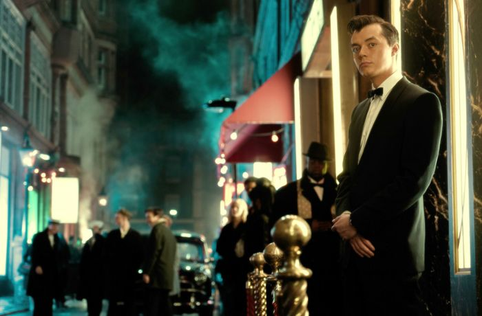 "Batman-Prequel: Bruno Heller über ""Pennyworth"": Die Swinging Sixties, Batmans Butler und der Brexit"