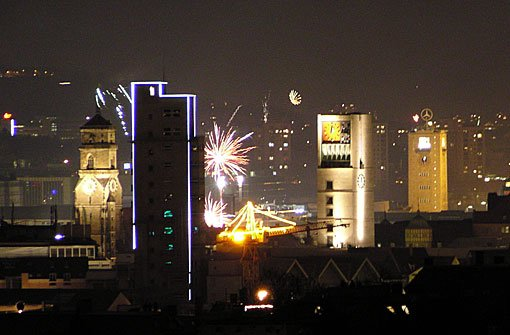 Die Stuttgarter Kessellage bietet an Silvester einen tollen Blick aufs Feuerwerk. Hier steht es sich am schönsten! Foto: Leserfotograf troll