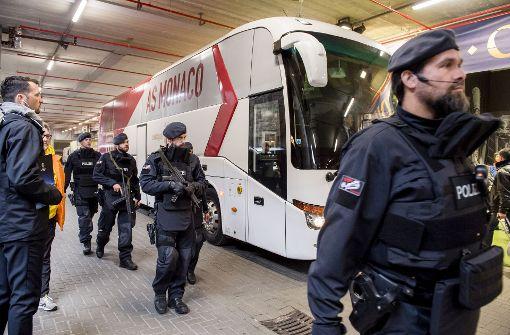 Nordrhein-Westfalen: Nach BVB-Anschlag Täter weiter unbekannt