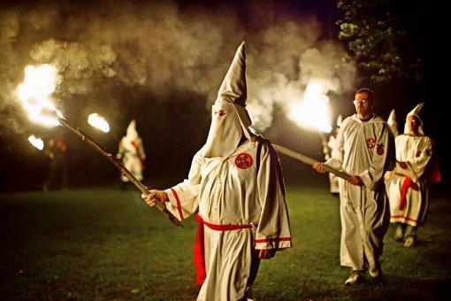 Mitglieder des Ku-Klux-Klan (Symbolbild) Foto: EPA