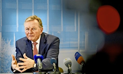SPD-Fraktionschef Claus Schmiedel rechnet damit, dass sich das Land im Rahmen des Bahnprojekts Stuttgart 21 zu den Kosten eines verbesserten S-Bahn-Halts am Landesflughafen beteiligt. Foto: dpa