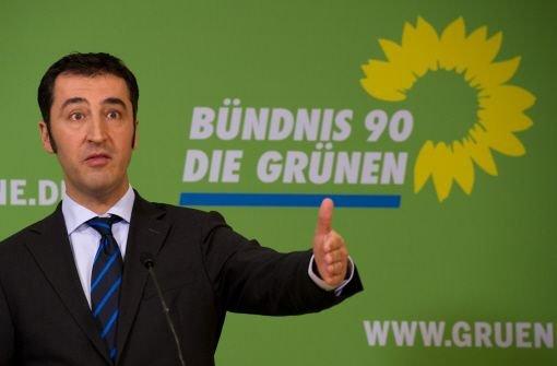Der Grünen-Vorsitzende Cem Özdemir verteidigte den Vorstoß seiner Partei: Die Grünen wollen niemandem verbieten, Fleisch zu essen (...). Aber wir wollen, dass es Alternativen gibt. Foto: dpa