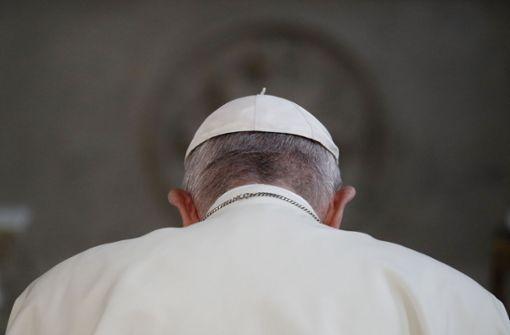 Vatikan zieht umstrittene Papst-Aussage zu homosexuellen Kindern zurück