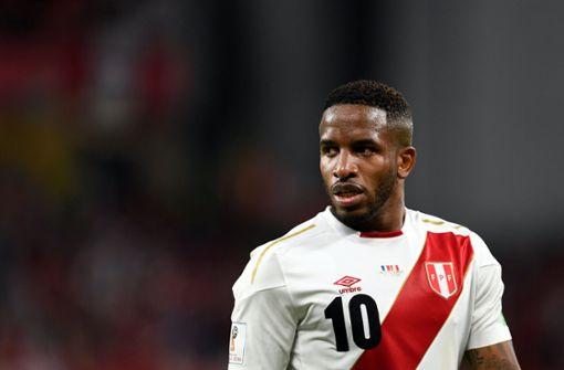 Perus Nationalspieler Jefferson Farfán nach Zusammenprall bewusstlos