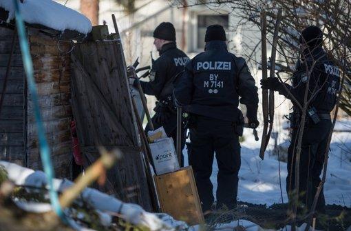 Die Polizei durchsuchten Ende Januar eine Gartenlaube auf einem Grundstück in Haar im Landkreis München (Bayern), auf dem sie  die Leiche eines Mannes fand. Foto: dpa