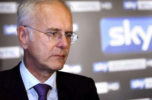 Late-Night-Talker Harald Schmidt, seit vergangenen September für den Pay-TV-Sender Sky aktiv, ist am Sonntag beim Süd-Klassiker VfB Stuttgart - Bayern München erstmals im Bundesliga-Einsatz.  Foto: dpa