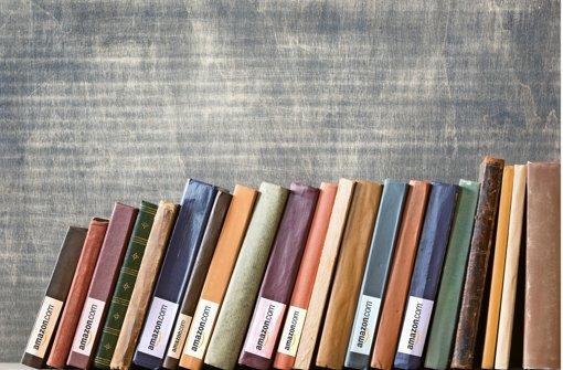 Der US-Konzern Amazon drängt ins Bücherregal und will in Deutschland selbst Unterhaltungsliteratur verlegen  Foto: Fotolia / StN-Fotomontage
