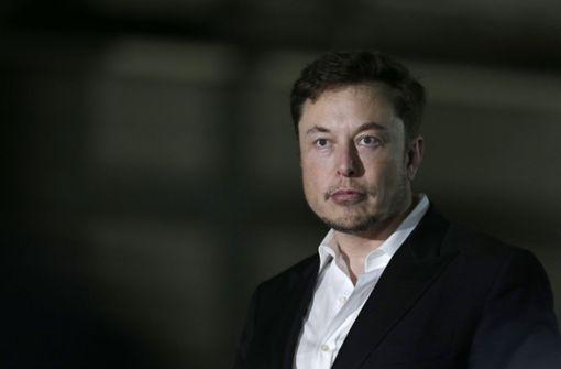 Kiffer-Auftritt und Personalabgänge lassen Tesla-Aktie abstürzen