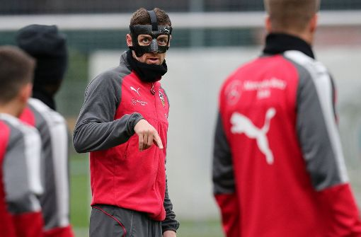 Christian Gentner trainiert beim VfB Stuttgart derzeit mit einer Maske. Foto: Pressefoto Baumann