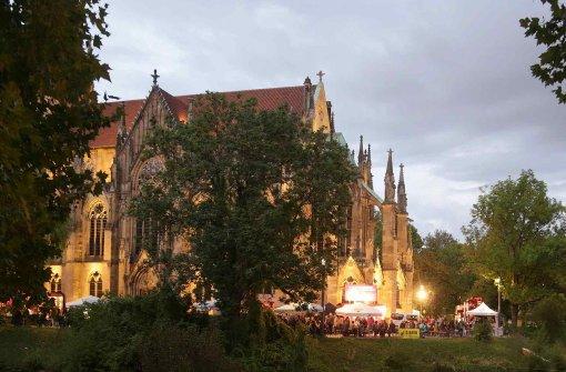 bGemütlich:/b In Stuttgart-West im von Donnerstag bis Sonntag Feuerseefest. Rund um die Johanneskirche und den Feuersee gibt es Musik, Tanz und Mode und wie immer ein spezielles Kinder-Programm. Details gibt es auf der Homepage: a href=https://feuerseefest.de/de/index.php target=_blankfeuerseefest.de/a Foto: 7aktuell.de/Oswald