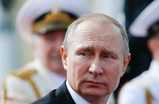 Putin weist 755 US-Diplomaten aus