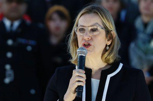 Britische Innenministerin fordert Zugang zu Whatsapp-Nachrichten