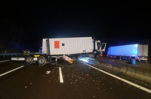 Die Autobahn wurde in Fahrtrichtung Heilbronn voll gesperrt.  Foto: 7aktuell.de/Franziska Hessenauer