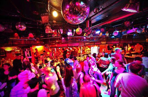 Tanzszene im 1977 eröffneten Kings Club, in einer der ältesten Schwulendiscos in Deutschland. Foto: dpa
