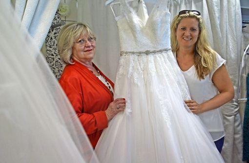 Second-Hand-Brautmode in Stetten: Aus zweiter Hand: Brautkleid ...