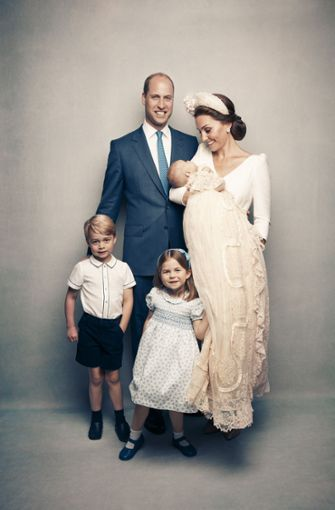 Die Cambridges: Herzogin Kate, Prinz William, Prinz George, Prinzessin Charlotte und Baby Louis Foto: Getty Images Europe